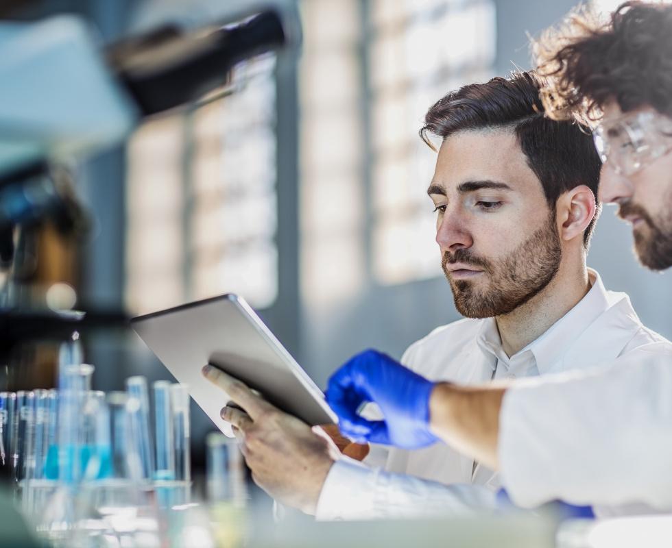 Les technologies de l'information en santé : regards croisés chercheurs et praticiens