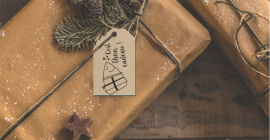 """Cadeau avec étiquette de Noël """"C'est thon cadeau !"""""""